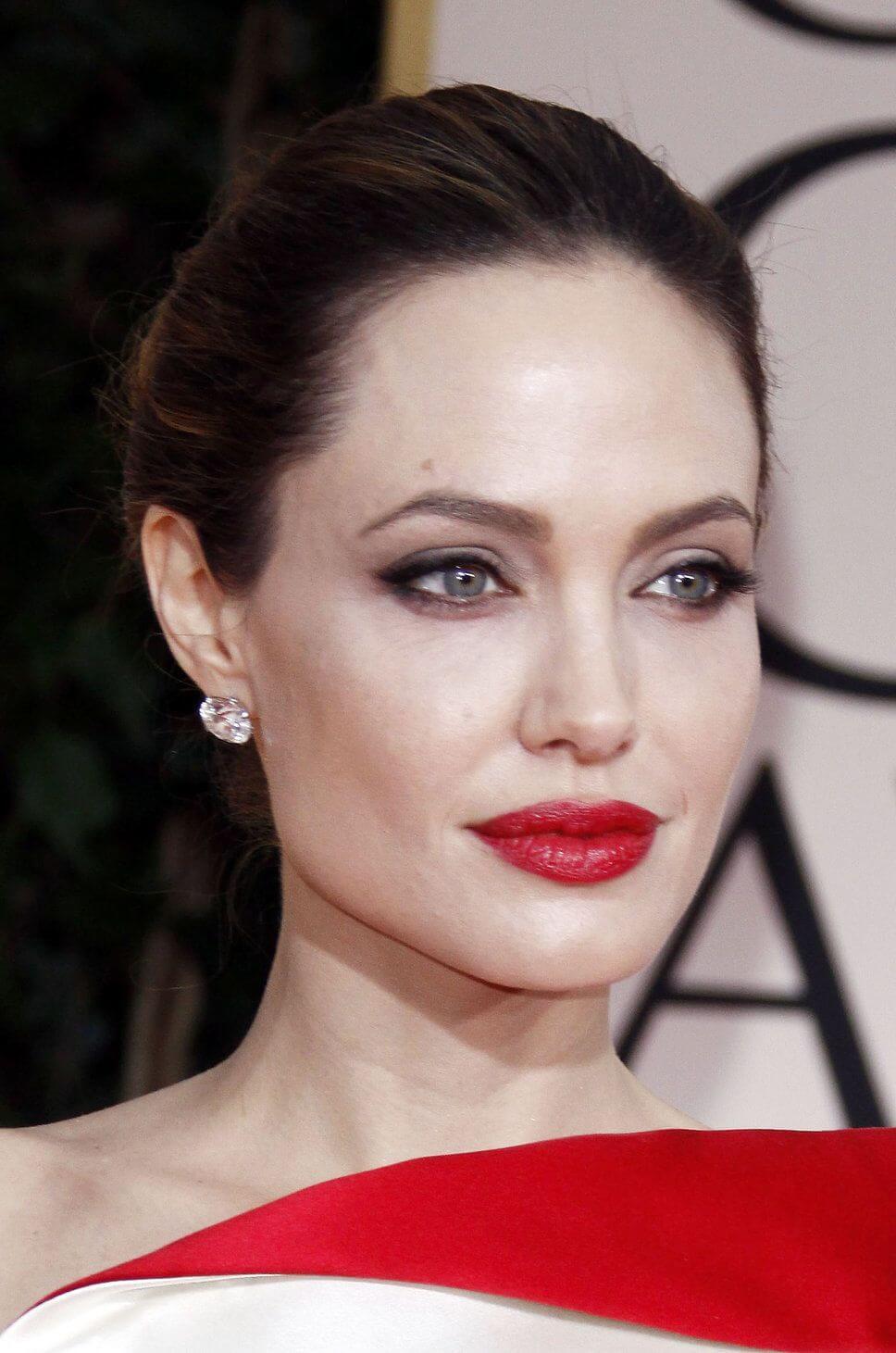 Foto di Angelina Jolie, che secondo la Color Analysis è un Autunno Muted